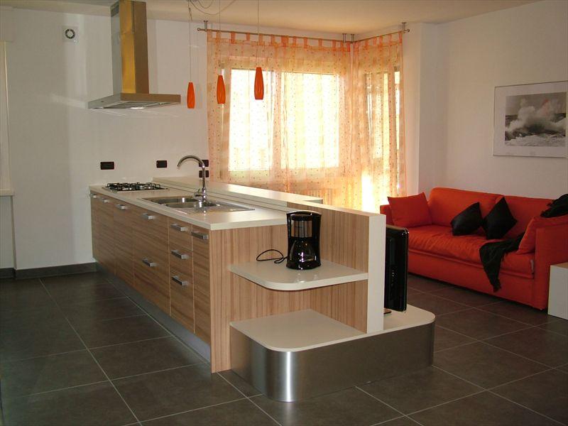 Come Arredare Soggiorno Cucina A Vista: Come arredare una cucina con soggiorno design mag.